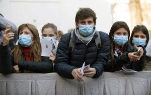 Koronavirüsün Yeni Mutasyonu Gençleri Daha Fazla Etkiliyor