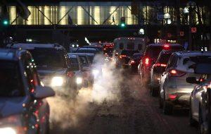 Tüm Benzinli Araçlar Karbonsuz Yaşam İçin 15 Yıl İçinde Trafikten Kaldırılacak