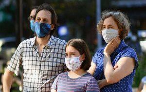 COVID-19 aşısı olduktan sonra neden hala maske takmanız gerekiyor?