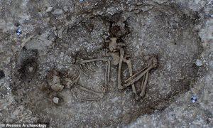 Keşfedilen Bronz Çağı Mezarları, Taş Çember Stonehenge Gizemini Çözebilir mi?