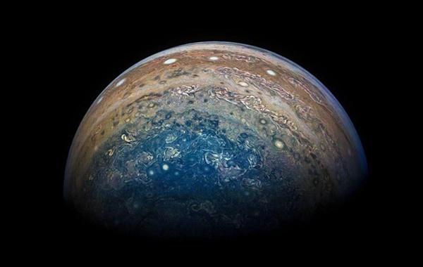 NASA Jüpiterin Karanlık