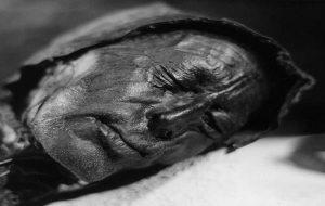 Bir Cinayet Soruşturması Dün Ölmüş Gibi Korunan Ancak 1600 Yıllık Olan Bu Başı Ortaya Çıkardı