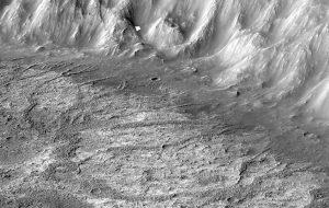 Marsta Yeni Bir Krater