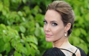 Kanserli Hücreleri Öldüren İlaç, Angelina Julie Genine Sahip İnsanlar İçin Umut Oldu