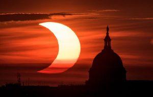 NASA Bugünkü Güneş Tutulmasından İlk Görüntüleri Paylaşmaya Başladı