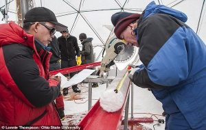 15.000 Yıllık Bir Tibet Buzulunda En Az 28 Yeni Virüs Keşfedildi