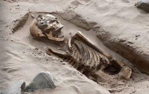 Mavi Bayraklı Plajda 1500 Yıllık Mezarlık ve 200 İskelet Bulundu