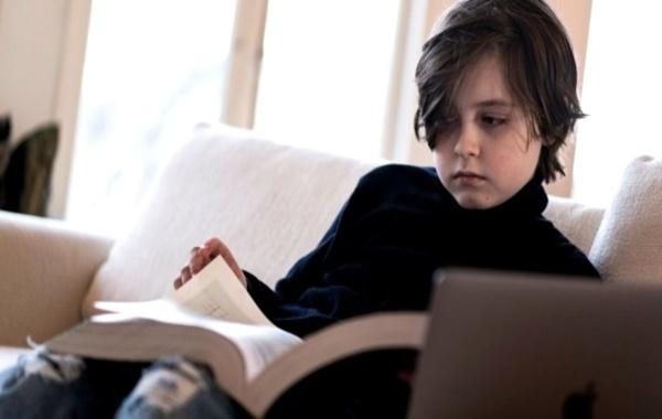 11 yaşındaki Simons