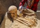 Van-Çavuştepede Yeni Bir Gömme Şekline Sahip Urartu Mezarları Bulundu