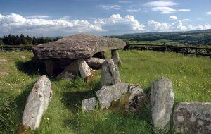 Kral Arthurla İlişkilendirilen Anıt